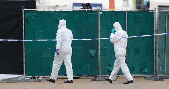 Wietnamska policja zatrzymała osiem osób w związku ze znalezieniem ciał 39 osób w ciężarówce w Wielkiej Brytanii. Funkcjonariusze rozpoczęli walkę z zorganizowaną grupą zajmującą się przemytem ludzi.