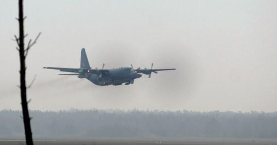 Awaryjne lądowanie wojskowego samolotu Herkules C-130 na lotnisku w podkrakowskich Balicach. Załoga maszyny zgłosiła problemy techniczne. Samolot leciał z Wrocławia.