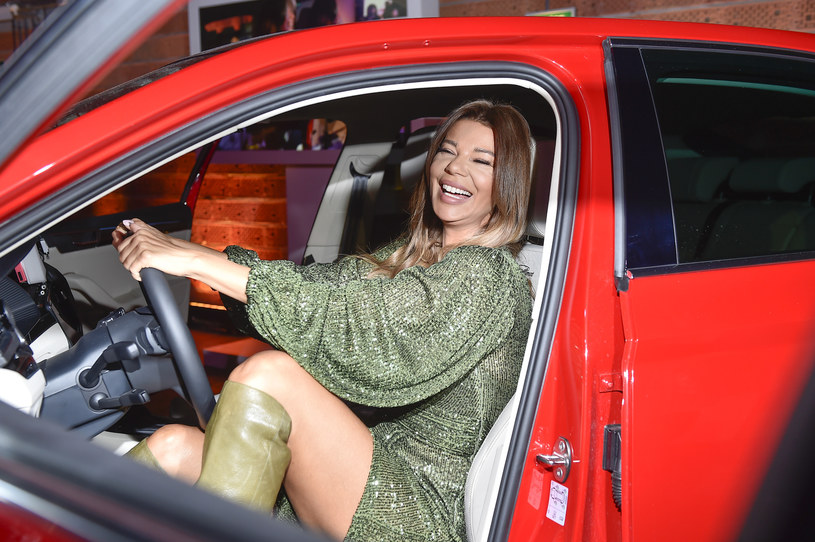"""Nie udał się Edycie Górniak pierwszy etap egzaminu na prawo jazdy, który śledzą kamery nowego reality show TVN - """"My Way"""". Okazało się, że wokalistka oblała egzamin teoretyczny."""