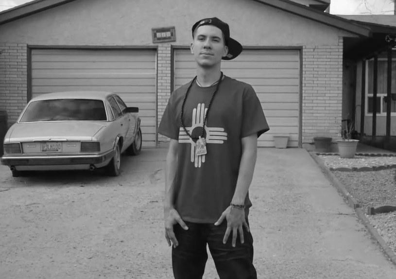 Pochodzący z Albuquerque (Nowy Meksyk) raper Wake Self zmarł w wyniku obrażeń, których doznał podczas wypadku samochodowego (3 listopada).