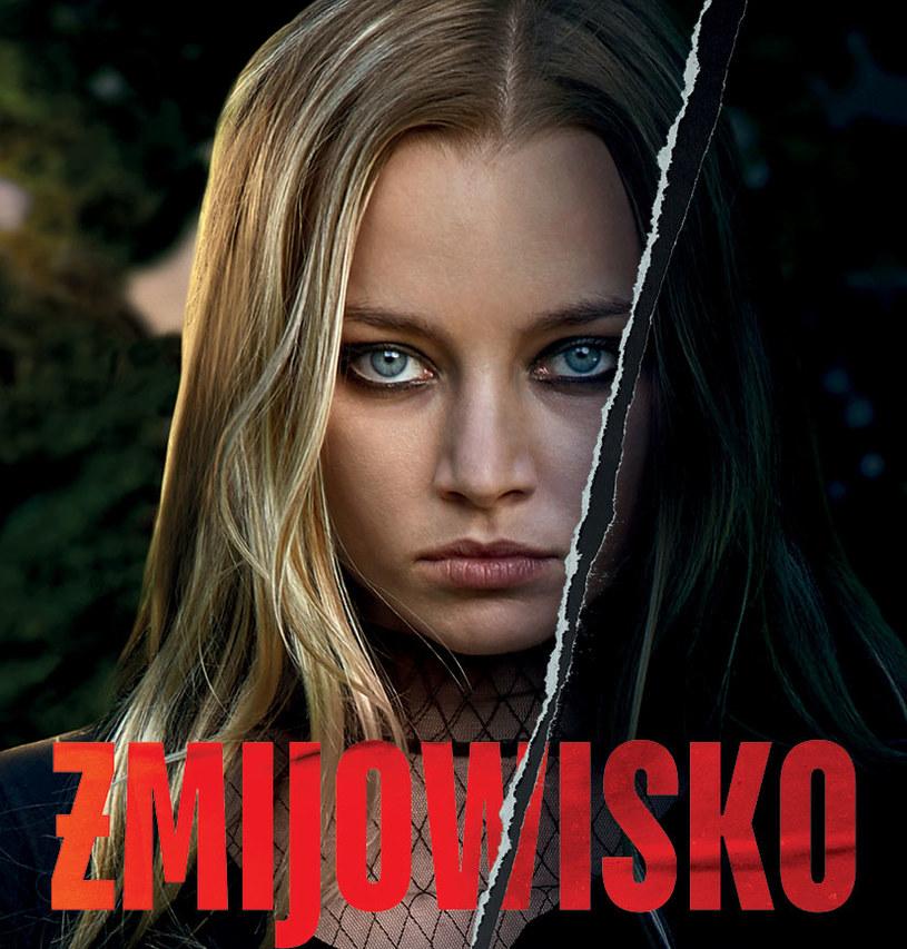 """W serialu """"Żmijowisko"""" nie brakuje młodych, zdolnych aktorów. Wśród nich jest Kamila Urzędowska, studentka ostatniego roku szkoły teatralnej we Wrocławiu, która wygląda niczym młodsza siostra Margot Robbie."""