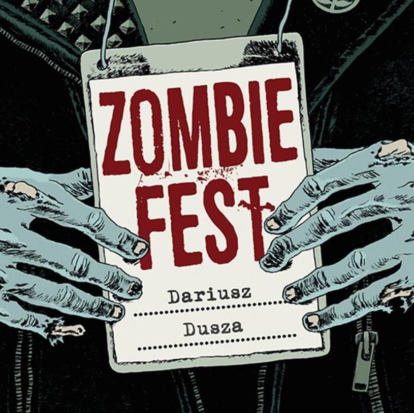 """Pod koniec października do sprzedaży trafiła książka """"Zombie Fest"""", prozatorski debiut Darka Duszy, lidera grupy Redakcja, wieloletniego gitarzysty Shakin' Dudi, założyciela Śmierci Klinicznej, kompozytora i autora tekstów."""