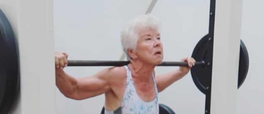 Sprawności fizycznej kanadyjskiej babci zazdroszczą stali bywalcy siłowni. 73-letnia Joan MacDonald udowadnia, że starość to tylko stan umysłu.
