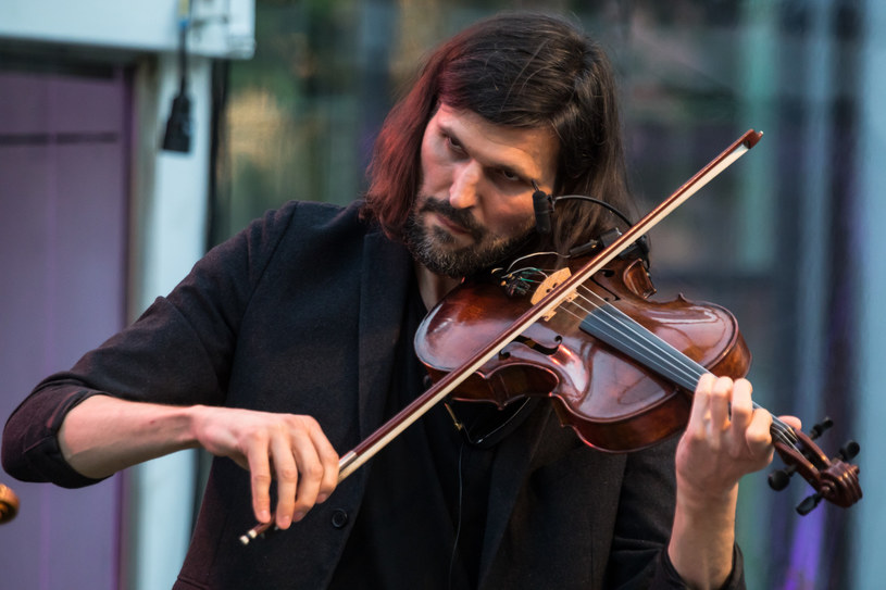 W niedzielę (10 listopada) w Centrum Kongresowym ICE Kraków odbędzie się wspólny koncert grupy Atom String Quartet z NDR Big Bang, orkiestrą niemieckiego radia publicznego w Hamburgu.