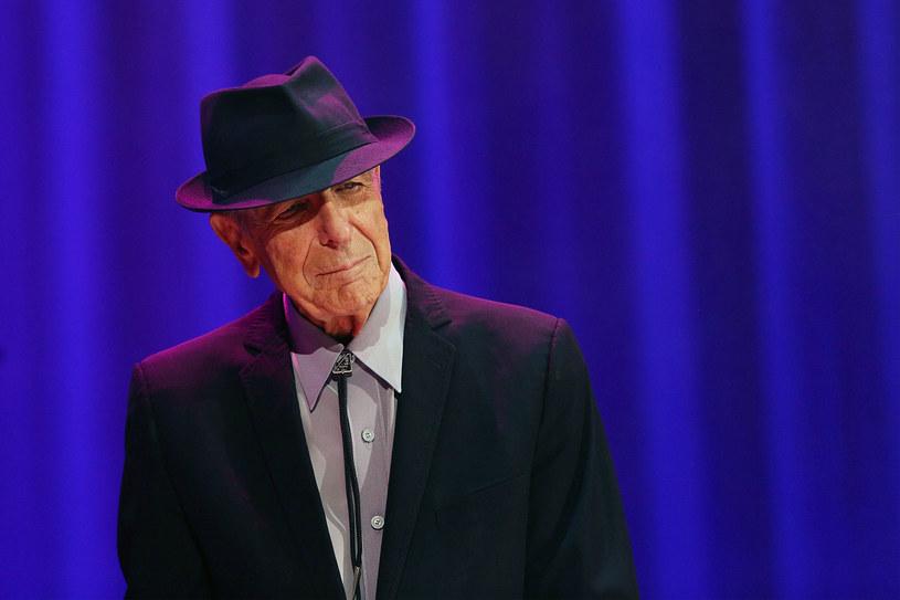 """7 listopada 2016 r. zmarł słynny kanadyjski bard Leonard Cohen. Dwa tygodnie później (22 listopada) do sprzedaży trafi jego pożegnalny album """"Thanks for the Dance"""". """"Z podniesioną przyłbicą ponosił w życiu klęski. Pisał o nich, dzielił się nimi. Nie było w tym ostentacji mimo dużej otwartości. Dlatego mu wierzymy jako nauczycielowi życia"""" - przyznaje Daniel Wyszogrodzki, dziennikarz, autor, tłumacz utworów Leonarda Cohena."""