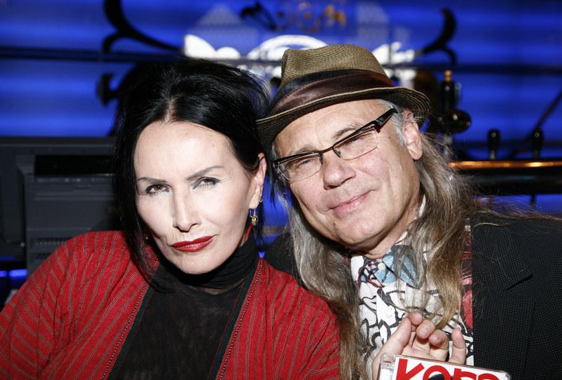 """Kamil Sipowicz, drugi mąż Kory, wyznaje w wywiadzie dla """"Wysokich Obcasów"""", że byli kochankami, gdy wokalistka była jeszcze w związku z Markiem Jackowskim."""