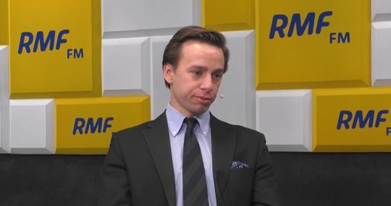 """Z czego do tej pory żył poseł-elekt Konfederacji Krzysztof Bosak? """"Pracowałem politycznie, pracowałem z posłem Robertem Winnickim"""" - mówi RMF FM."""