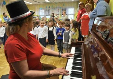 Hymn Polski odśpiewany przez 3,5 mln uczniów w całej Polsce