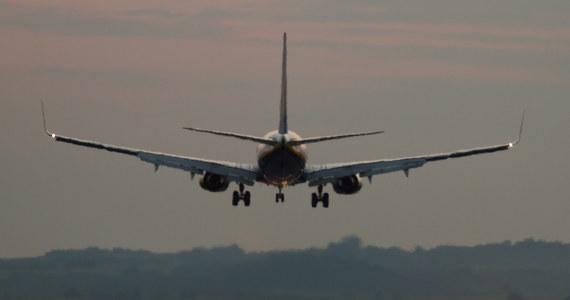 Linie American Airlines poinformowały w piątek, że przedłużyły okres wycofania z eksploatacji samolotów Boeing 737 MAX do 5 marca 2020 roku. Wcześniej podobną decyzję podjęły linie Southwest Airlines. Po dwóch katastrofach z marca 2019 roku i października 2018 roku Boeingi 737 MAX zostały wycofane z eksploatacji przez wszystkie linie lotnicze.