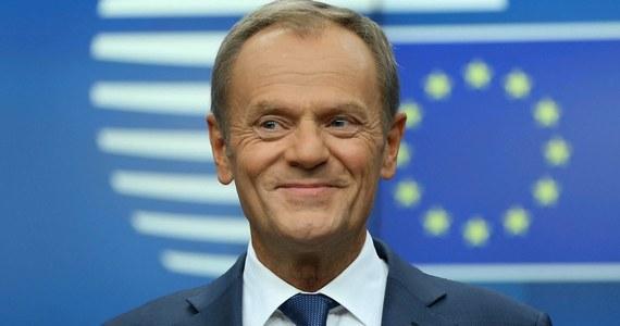 """Kandydatem na prezydenta powinien być ktoś, kto będzie budował poparcie ponad połowy Polaków. Ja mam swoje bardzo wyraziste poglądy, ale nie są poglądami większościowymi w Polsce - mówi Donald Tusk w wywiadzie dla belgijskiego dziennika """"Le Soir"""", opublikowanym także przez """"Gazetę Wyborczą""""."""