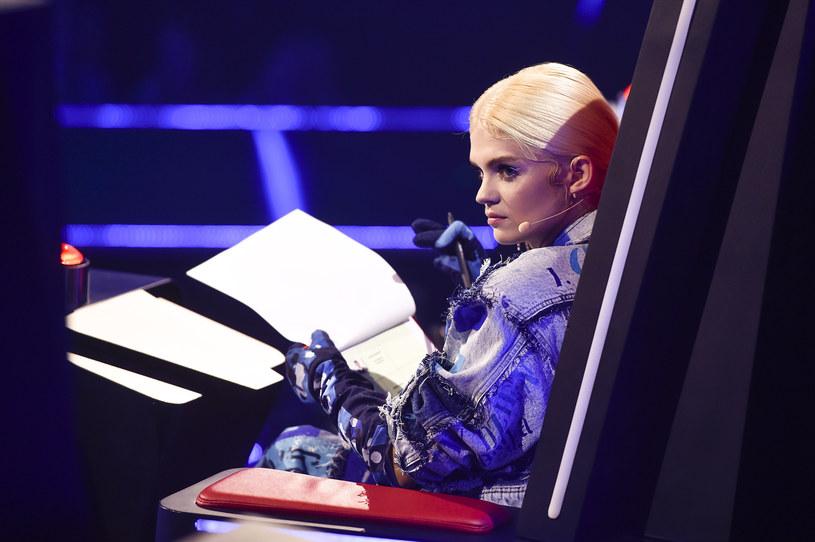"""Emocje po pierwszym odcinku na żywo dziesiątego sezonu """"The Voice of Poland"""" jeszcze nie opadły. Widzowie nie kryją swojego oburzenia zachowaniem Margaret. Co tak rozzłościło oglądających?"""