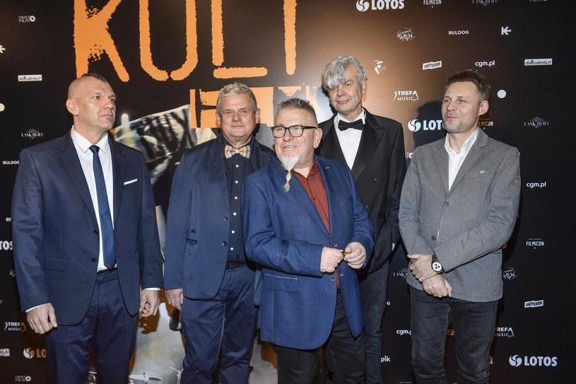 Kult to legendarny już polski zespół. W ostatnich dniach skład grupy mocno się zmienił. Kto odszedł z zespołu?