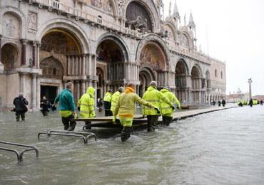 Wenecja: 70 proc. miasta pod wodą. Plac św. Marka zamknięty