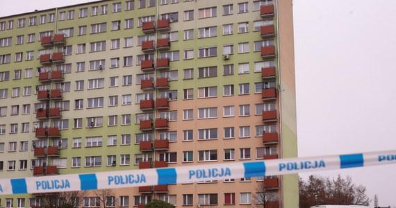 Wspólne działania ABW oraz funkcjonariuszy CBŚP zapobiegły tragedii. W Płocku został zatrzymany 47-letni mężczyzna, u którego w mieszkaniu znaleziono substancje do produkcji materiałów wybuchowych oraz już gotowe materiały wybuchowe. Jak dowiedział się nieoficjalnie reporter RMF FM, zatrzymany miał w mieszkaniu 27 kilogramów trotylu. Mężczyzna chciał wysadzić blok, w którym mieszkał.