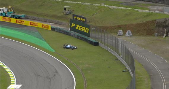 Pechowy dzień Roberta Kubicy. Jak informuje Onet, Polak na początku drugiej serii treningowej przed Grand Prix Brazylii uszkodził przednie skrzydło w bolidzie i zakończył udział w rywalizacji.