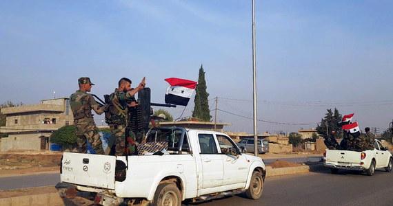 Co najmniej 14 osób, w tym dziewięciu cywilów, zginęło w sobotę w zamachu bombowym w mieście Al-Bab na północnym wschodzie Syrii - podało Syryjskie Obserwatorium Praw Człowieka, na które powołuje się AFP. Wciąż jednak nie ma dokładnych informacji o liczbie ofiar.