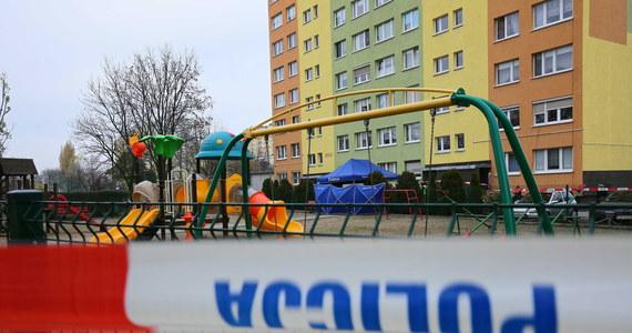 """""""Śledztwo ws. śmiertelnego postrzelenia w Koninie powinno być prowadzone przez inną prokuraturę"""" – uważa pełnomocnik rodziny 21-latka mec. Michał Wąż. W poniedziałek ma zostać złożony wniosek w tej sprawie."""