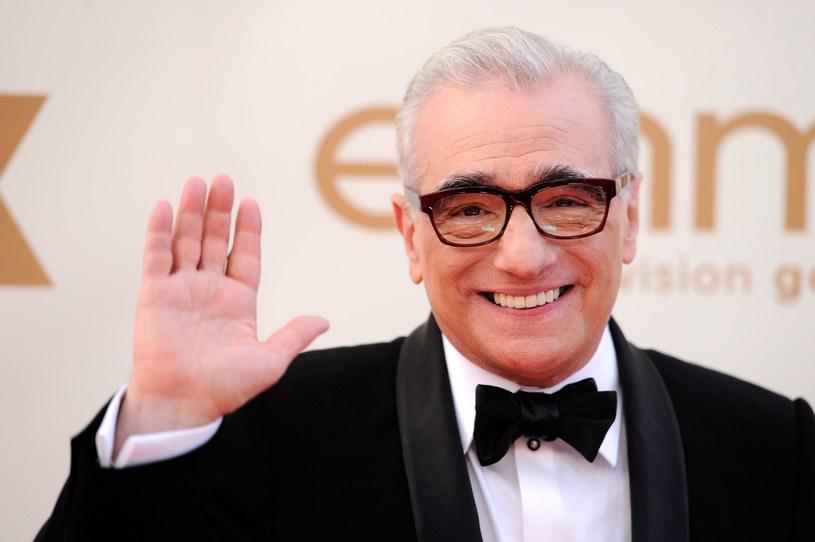 """Ma na swoim koncie takie filmy jak """"Taksówkarz"""", """"Chłopcy z ferajny"""", """"Wściekły byk"""" czy """"Kasyno"""". Jest laureatem Oscara za najlepszą reżyserię za film """"Infiltracja"""", a także organizatorem pokazów """"Mistrzowie Polskiego Kina"""". Marin Scorsese 17 listopada kończy 77 lat."""