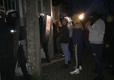 Trzech policjantów rannych po proteście w Koninie. W ruch poszły butelki i kamienie