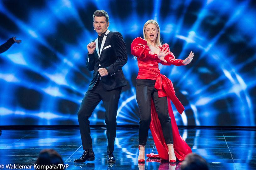 """Drugiej edycji programu TVP """"Dance, Dance, Dance"""" nie poprowadzą już Barbara Kurdej-Szatan i Tomasz Kammel. Kto ich zastąpi? Jakie są powody tej decyzji?"""