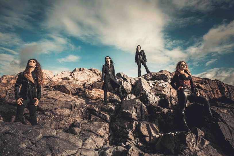 Symfometalowa formacja Seven Spires z USA przygotowała drugi album.