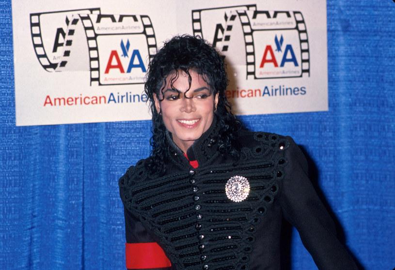 Według najnowszych informacji – James Safechuck i Wade Robson –  mogą ponownie stoczyć batalię sądową z rodziną Michaela Jacksona. Starcie w sądzie umożliwia im zmienione prawo.