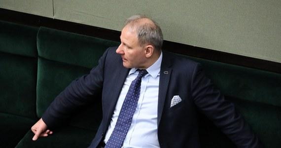 """""""Gdy Radosław Sikorski mówił o tym, że były ustawione (prawybory- PAP), to wiedział, co mówi"""" - powiedział w rozmowie z portalem Fakt24.pl Jacek Protasiewicz. Kilka dni temu Radosław Sikorski pytany o to, czy wystartuje w planowanych teraz prawyborach prezydenckich odpowiedział """"jest to przedmiotem refleksji, bo prawybory zaczynają się za tydzień"""". """"Zastanawiam się po pierwsze, czy to będzie proces fair, bo w ustawionych prawyborach już brałem udział"""" - zaznaczył."""