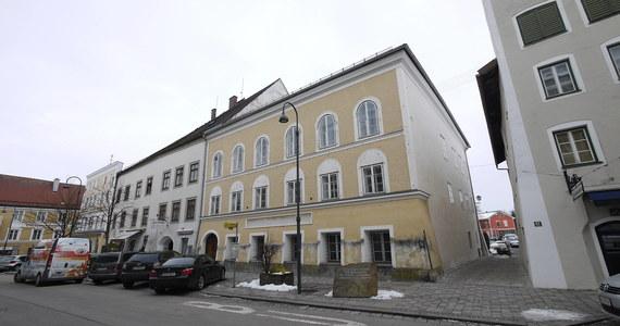 Dom, w którym urodził się Adolf Hitler będzie mieścił posterunek policji - poinformował we wtorek minister spraw wewnętrznych Austrii Wolfgang Peschorn. Ma to zapobiec przekształceniu się budynku w cel pielgrzymek neonazistów.