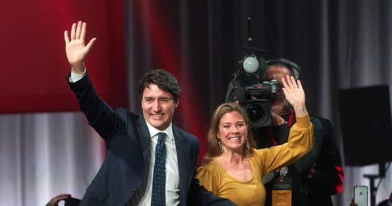 Kanada ma od środy nowy rząd, który został utworzony po październikowych wyborach parlamentarnych. Szefem rządu, obecnie mniejszościowego, pozostał Justin Trudeau. Po raz pierwszy od kilkunastu lat w jego składzie znalazł wicepremier.