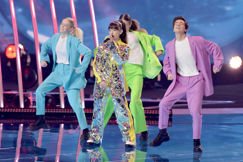 """Viki Gabor z piosenką """"Superhero"""" wygrała Eurowizję Junior 2019. Polka była najlepsza w głosowaniu widzów oraz druga w głosowaniu jurorów! Nasz kraj wygrał dziecięcy konkurs piosenki Eurowizji drugi raz z rzędu (stało się to pierwszy raz w historii imprezy)."""