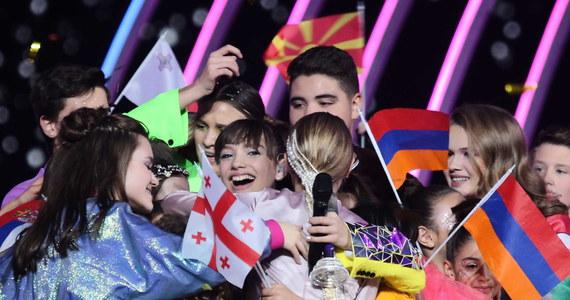 """""""To niesamowite. Najlepszy dzień mojego życia!"""" - tak na gorąco 12-letnia Viki Gabor komentowała swoje zwycięstwo w Eurowizji Junior 2019. Podczas wielkiego finału konkursu w Arenie Gliwice młoda polska wokalistka pokonała - ze śpiewaną po polsku i po angielsku piosenką """"Superhero"""" - 18 wykonawców z innych krajów. """"Będę płakać z radości do końca życia"""" - mówiła na scenie tuż po ogłoszeniu wyników."""