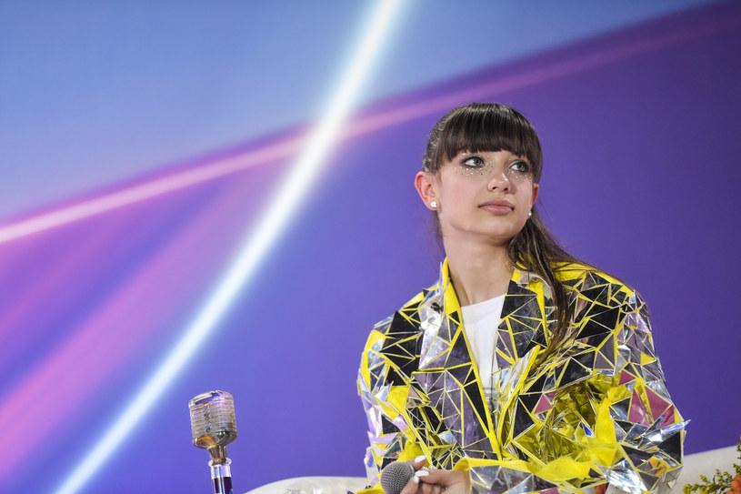Viki Gabor szybko zyskała w Polsce dużą popularność, a jej karierę śledzą tysiące. W ostatnim czasie przeszła dużą metamorfozę. Jak teraz wygląda?