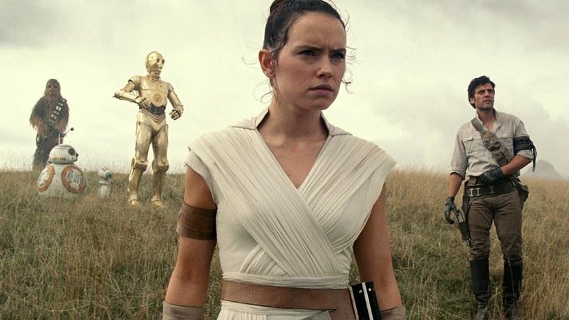 """Ostateczna wersja filmu """"Gwiezdne wojny: Skywalker. Odrodzenie"""" będzie drugą najdłuższą częścią sagi. Czas trwania dziewiątego epizodu wyniesie 141 minut."""