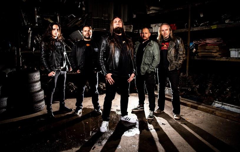 """""""Rest In Violence"""" – tak brzmieć będzie tytuł pierwszej płyty nowej, thrashowej formacji Bonded z Niemiec."""