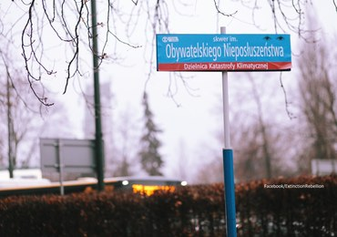 """Ministerstwo Klimatu przy ul. Uchodźców Klimatycznych. Aktywiści """"zmienili"""" nazwy ulic w Warszawie"""