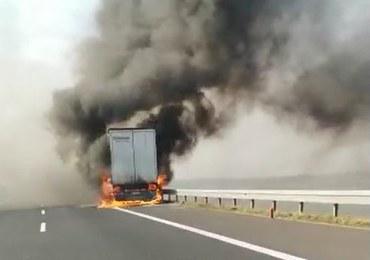 Pożar na A4. Zapaliła się naczepa ciężarówki