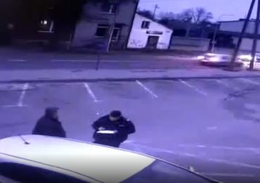 Śląskie: Potrącił na pasach 74-latkę. Policja publikuje nagranie