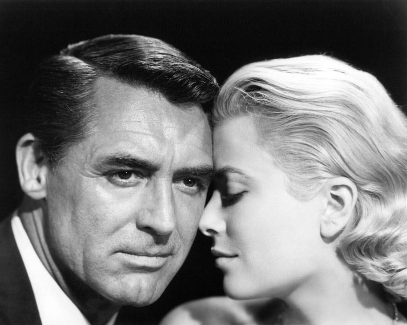 """Legenda Hollywood. W historii kina zapisał się jako pierwszy dżentelmen w """"fabryce snów"""". Cary Grant miał pięć żon. Romansował z aktorkami, między innymi z Sophią Loren. Jednak uwielbienie tłumów, sława i majątek nie dały mu szczęścia."""