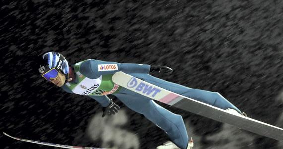 Słoweniec Timi Zajc wygrał w fińskim Kuusamo kwalifikacje do sobotniego konkursu Pucharu Świata w skokach narciarskich. Wszyscy Polacy awansowali do I serii. Najlepszy z nich Jakub Wolny zajął siódme miejsce.