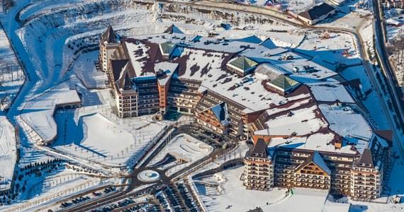 Na siódmym piętrze hotelu Gołębiewski w Karpaczu wybuchł pożar. Goście hotelu zostali ewakuowani, nikomu nic się nie stało.