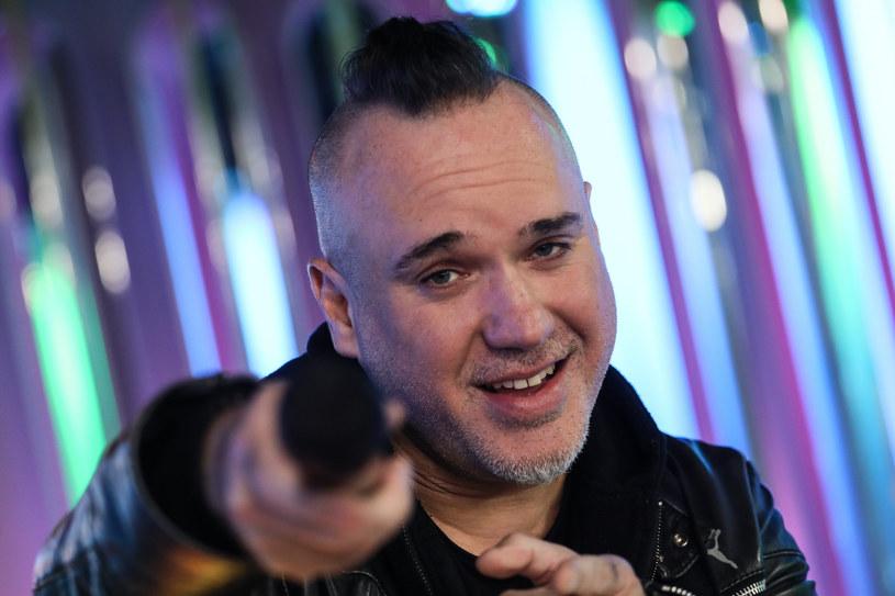 """Zapowiadaną już przez nas płytę grupy Szymon Wydra & Carpe Diem promuje nowy teledysk """"Mit""""."""