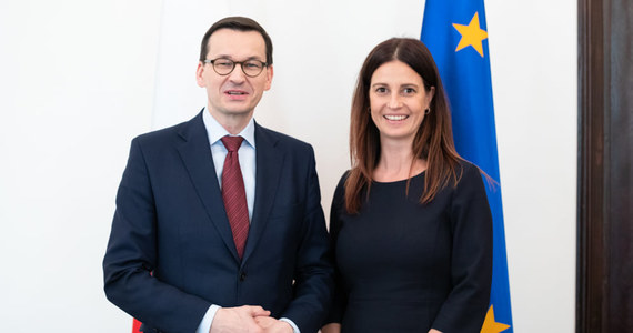 """Danuta Dmowska-Andrzejuk jest już oficjalnie kandydatką na ministra sportu: we wpisie na Facebooku poinformował o tym Mateusz Morawiecki. """"Jak mało kto ma złote ręce do sportu"""" - napisał o utytułowanej szpadzistce szef rządu."""