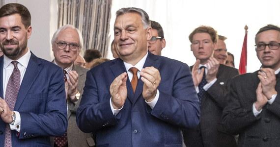 Rząd Węgier rozmontowuje wolność i pluralizm mediów, osiągając nad nimi bezprecedensowy stopień kontroli - uznało w raporcie sześć organizacji, w tym Reporterzy bez Granic. Rzecznik rządu Węgier Zoltan Kovacs zaprzeczył tym zarzutom.