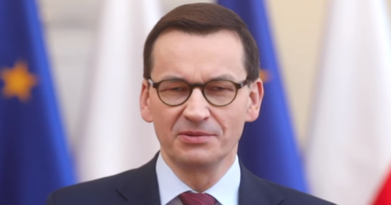 """Premier Mateusz Morawiecki powołał we wtorek Barbarę Sochę na pełnomocnika rządu do spraw polityki demograficznej. """"Państwo, które dba o przyszłość rodzinę stawia na pierwszym miejscu"""" – zaznaczył w nagraniu wideo opublikowanym na Facebooku. """"Zapewniliśmy polskim rodzinom godne warunki życia, ale to dopiero początek naszej pracy"""" – dodał."""