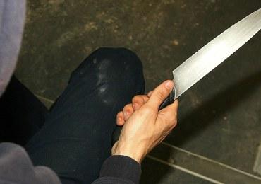 Atak ostrym narzędziem w Warszawie. 39-latek pociął twarz kierownikowi pociągu