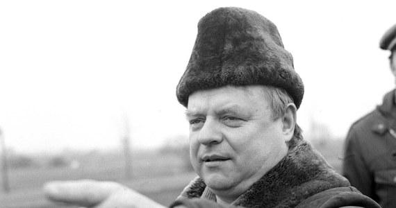 """90 lat temu, 5 grudnia 1929 roku, urodził się Stanisław Bareja, uznawany za króla polskiej komedii. """"Chyba w ogóle dlatego zostałem reżyserem, by móc robić komedie"""" - mówił w 1967 roku magazynowi """"Kino""""."""