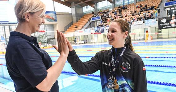 """Znakomite wyniki padały podczas dwudniowych zawodów pływackich Otylia Swim Cup, które w niedzielę zakończyły się w Szczecinie. """"Ranga naszych zawodów rośnie, a zawodnicy przyjeżdżają tu bić rekordy życiowe. Bardzo się z tego cieszę, bo dostają dodatkową motywację do działania na przyszłość"""" – mówi Otylia Jędrzejczak, której fundacja zorganizowała imprezę."""