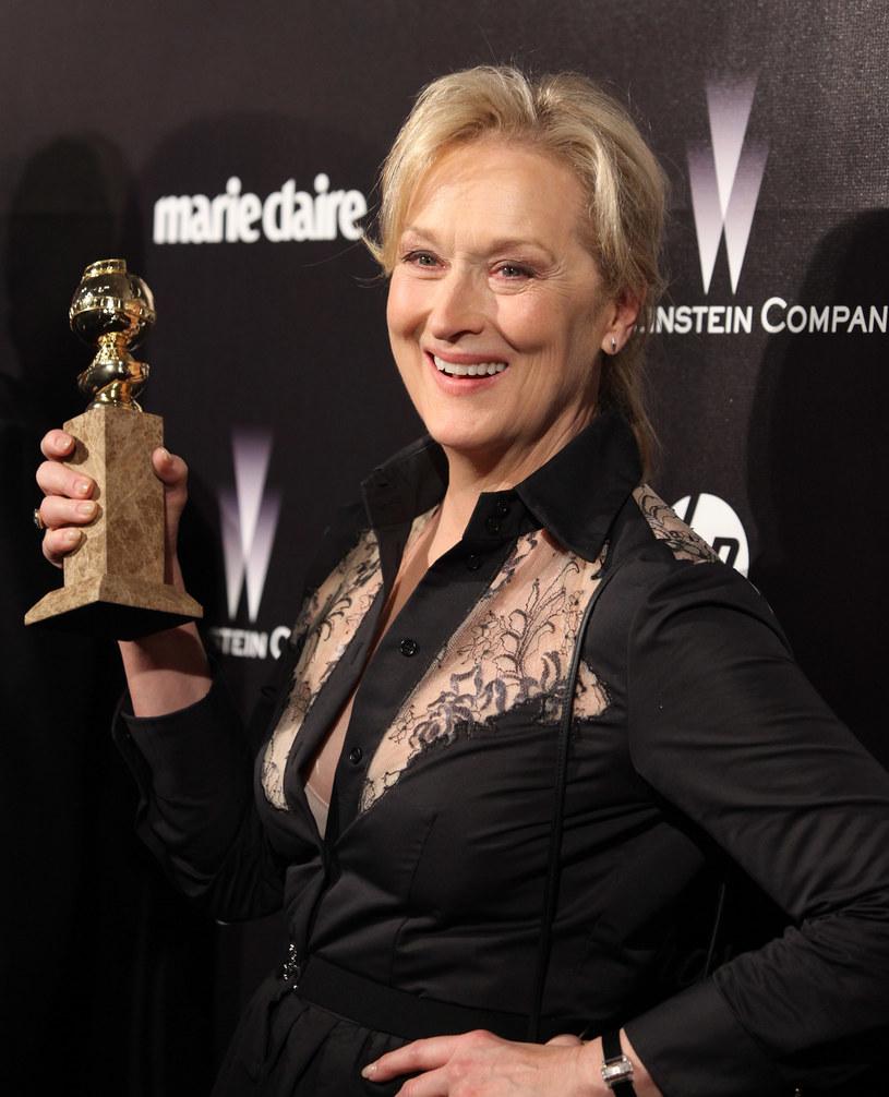 Nazwisko Meryl Streep znów znalazło się na liście osób nominowanych do Złotych Globów. Gwiazda tym razem będzie walczyć o statuetkę w kategorii najlepsza drugoplanowa rola żeńska rola w serialu, miniserialu albo filmie telewizyjnym. To już 34. nominacja do tej nagrody w karierze Streep. Pierwszą dostała równo 40 lat temu.