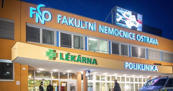 Zmarła kobieta, która została ranna we wtorek w strzelaninie w szpitalu w Ostrawie na wschodzie Czech - poinformował szpital w czwartek. Tym samym liczba ofiar śmiertelnych tragedii wzrosła do ośmiu. Jedna z pozostałych dwóch rannych osób jest już w domu.
