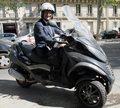 Prezydent na skuterze, czyli jak francuska gospodarka sięgnęła dna